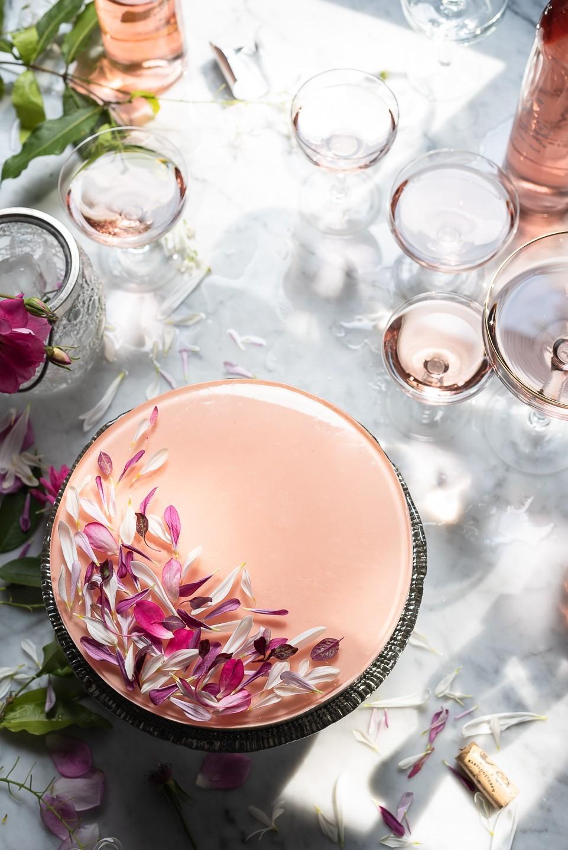 Honey Pannacotta cake with Rosé jelly
