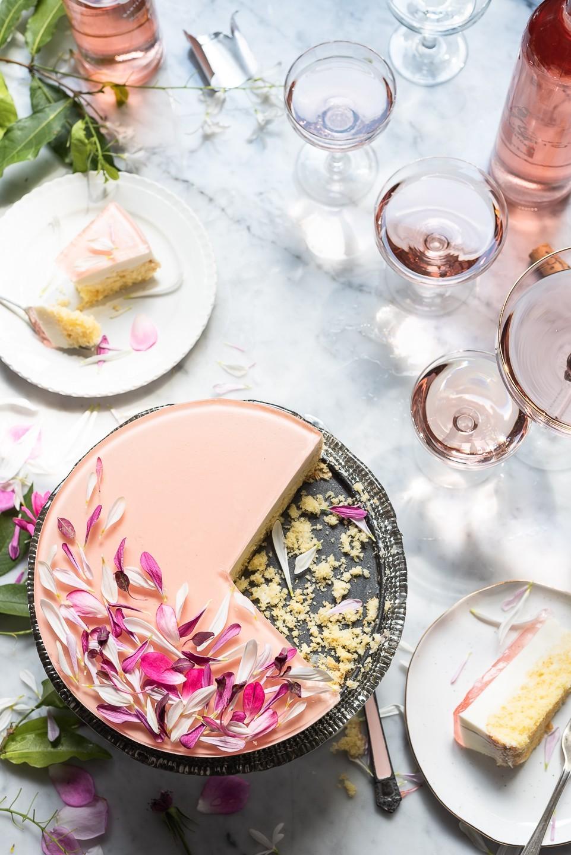 Honey Pannacotta cake with RoséJelly | Bibbyskitchen recipes
