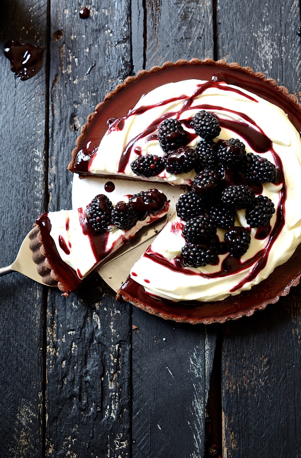 Baked blackberry chocolate fondant tart