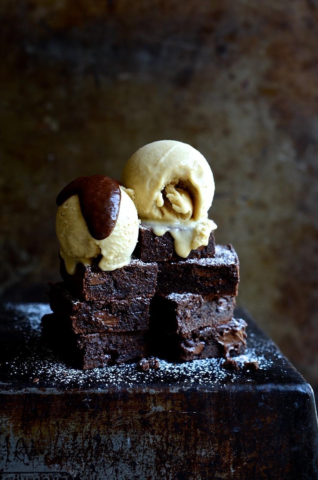 Gluten free cashew nut brownies