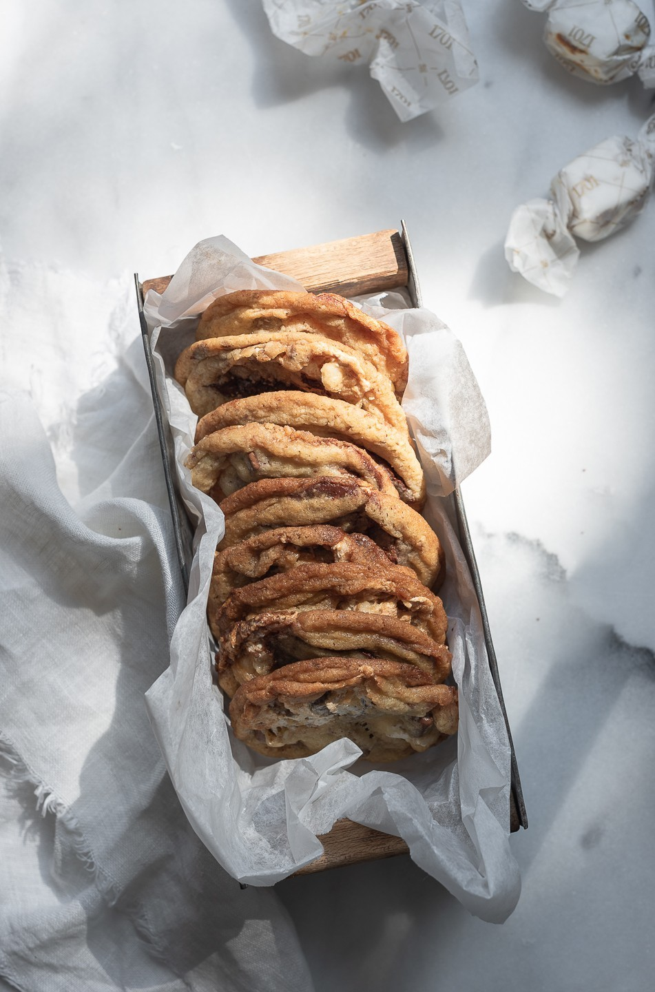 Chocolate chip nougat cookies