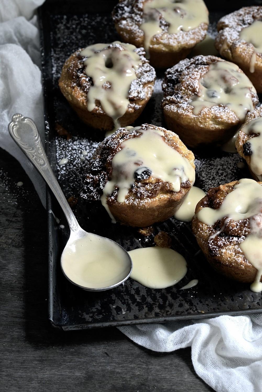 Hot cross bun scroll scones