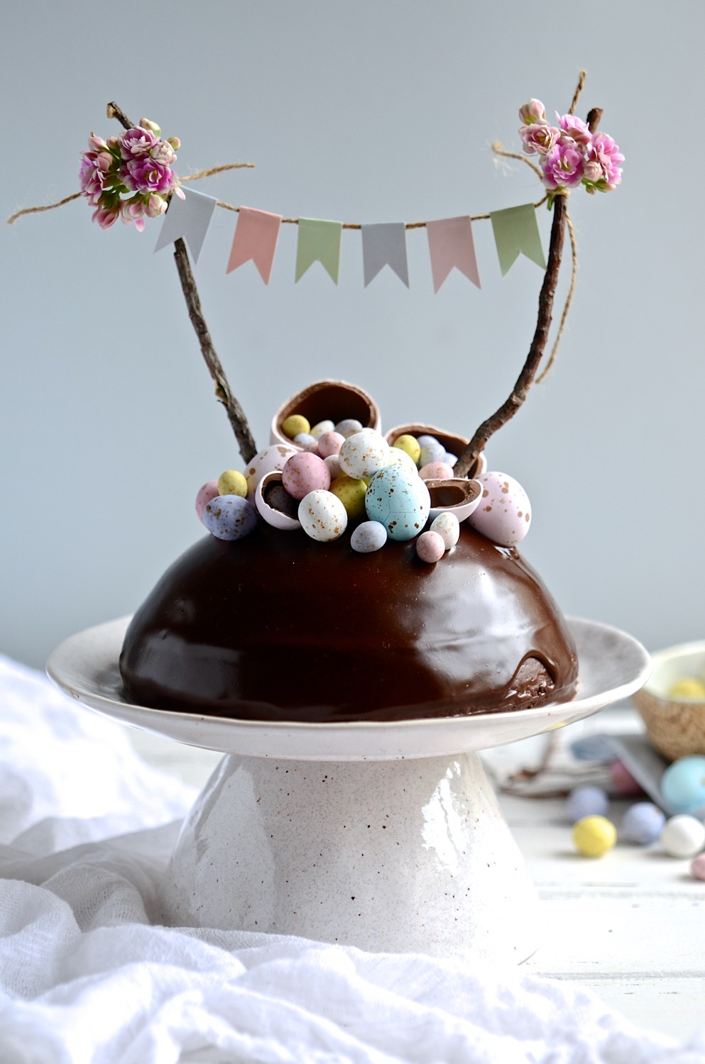 Easter egg surprise cake