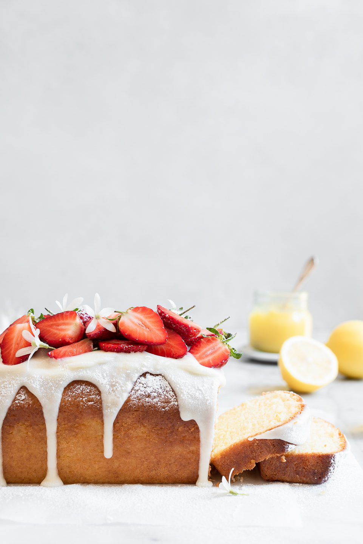 The Best Lemon Drizzle Cake | Bibbyskitchen recipes | Baking