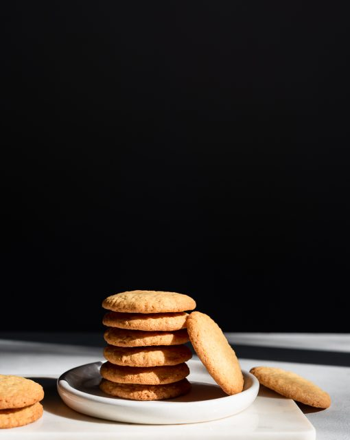 Crisp coconut cookies