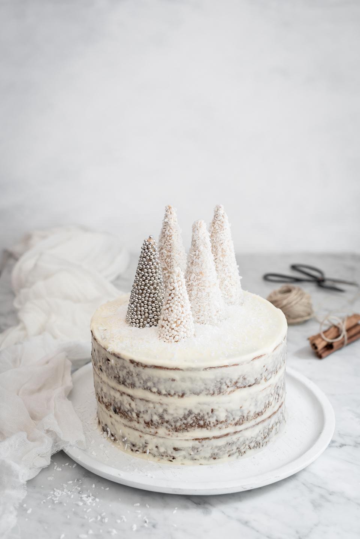 Sticky toffee pudding Christmas cake