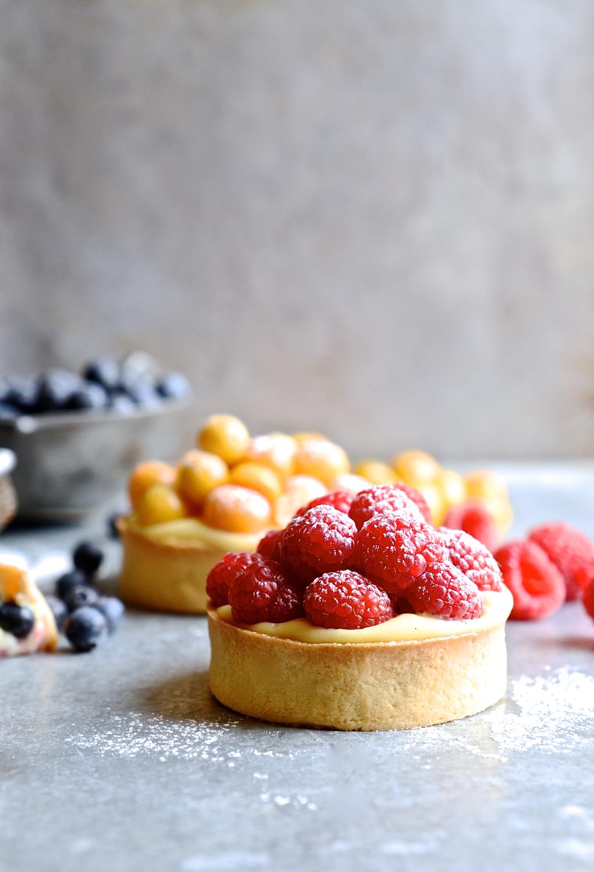 Crème pâtissière summer berry tarts